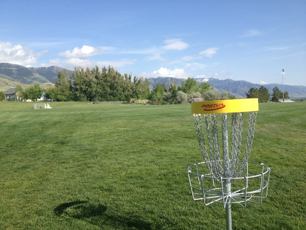 Smithfield Utah Disc Golf Course at Skyview High School